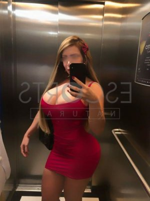 Lyana adult dating in Wilmington
