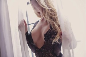 Elliana adult dating in Shelby North Carolina